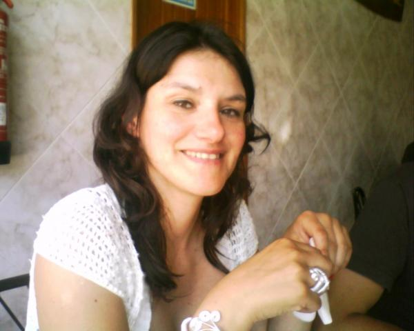 Claudia Oliveira