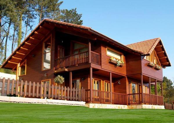 Amor e uma... casa de madeira?