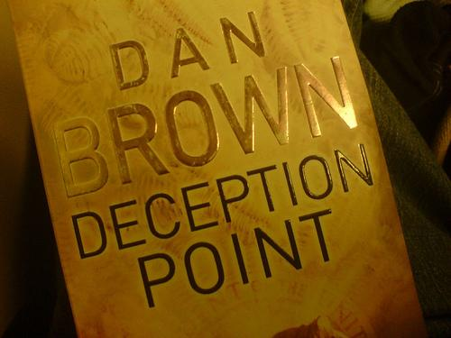 Anlise daliteratura de Dan Brown.