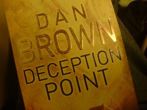 Análise daliteratura de Dan Brown.