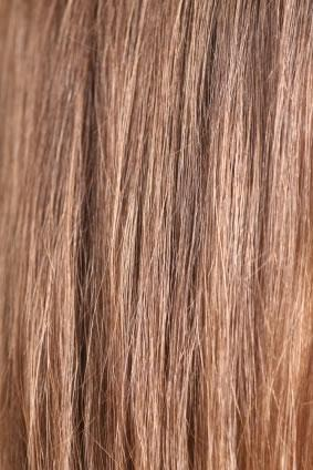Aprenda a pintar o cabelo em casa