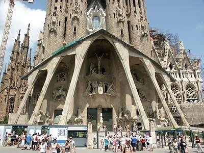 Barcelona, a cidade moderna que banha o mediterrâneo