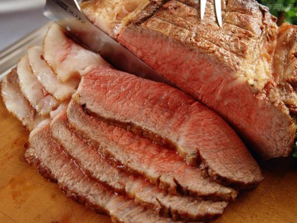 Carne mal cozida pode ocasionar a síndrome hemolítico-urêmica