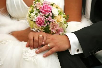 Casar faz bem, indica estudo