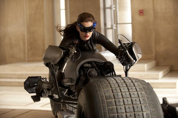 "Catwoman, e mais imagens do set de ""The Dark Knight Rises"""