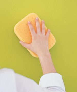 Como lavar manchas das paredes