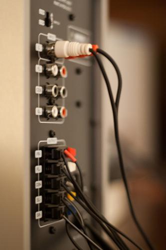 Como ligar o PC a um aparelho de som