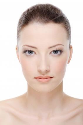 Como manter a pele do rosto bonita e saudável