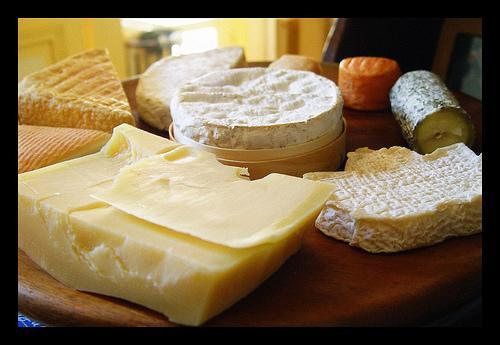 Como preparar uma mesa de queijos