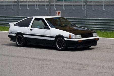 Desportivos Clássicos – Toyota AE86