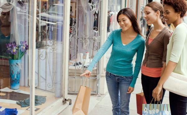 Entenda a diferença entre pop-up store, outlet e flagship store