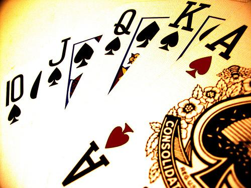 Jogo Agressivo no Poker: Conceito, Exemplos e Sua Importância