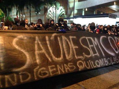 Manifestações aumentam por conta dos gastos na Copa em vez de investir em educação e saúde
