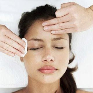 Maquiagem que trata a pele