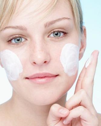 Maquilhagem que trata a pele