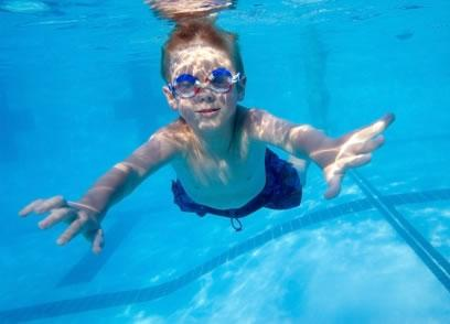 Coordene os movimentos dentro da água