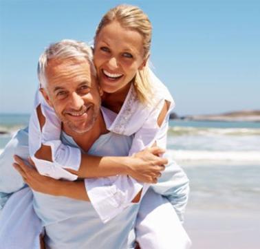 Namorando homens mais velhos não serei traída