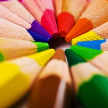 O lápis que me desenha...