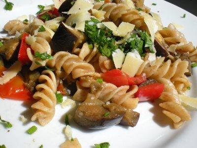 Receita Vegetariana: Fusilli com Beringela