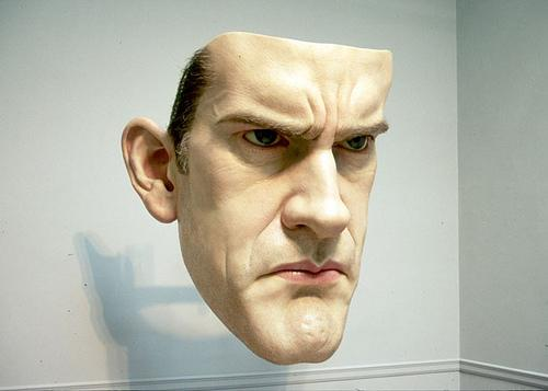 Ron Mueck: um escultor nascido na Austrália