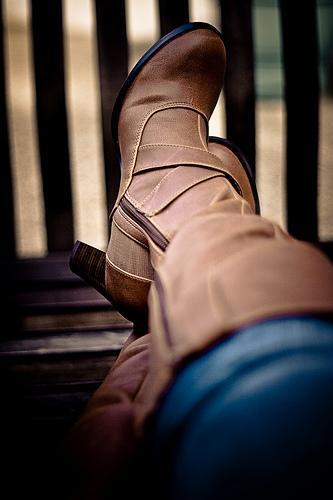 Saiba como conjugar botas com o seu visual