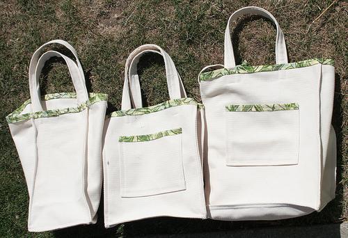 Transforma a sua velha t-shirts num saco reciclado