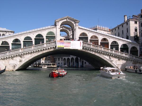 Veneza, uma cidade perdida na fantasia