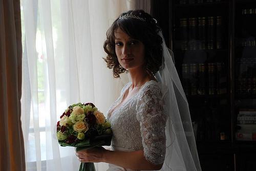 Vestidos de noiva com casaco de renda