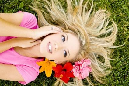 Ajude a salvar seu cabelo neste verão