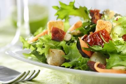 Uma boa alimentação ajuda a combater cancro