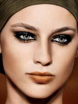 Como fazer uma maquiagem escura – Dicas e cuidados