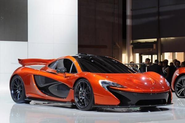 Lançamento do McLaren P1 em 2013