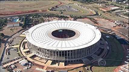 Lista de itens proibidos pela Fifa nos estádios inclui tablet e balões