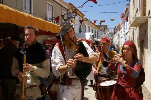 Mercadores e Artesãos na Idade Média