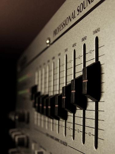 Misture, crie e manipule os sons