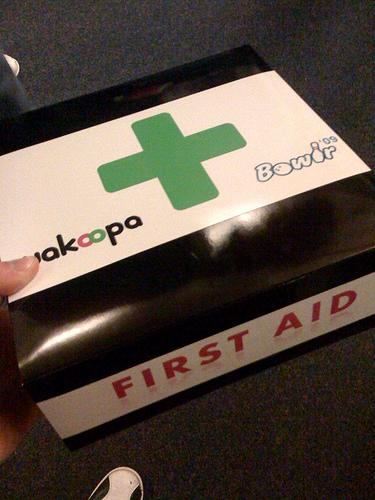 Monte o seu kit básico de primeiros socorros