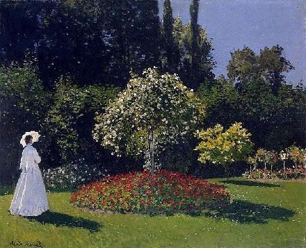 Mulher de branco no jardim