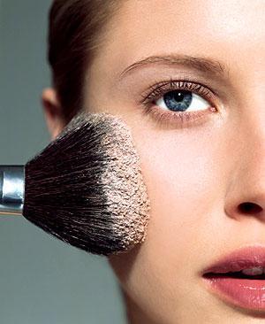 Pó para fixar a maquiagem e diminuir a oleosidade da pele