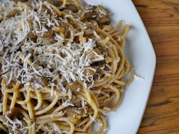 Receita Vegetariana- Esparguete Integral com Açafrão e Cogumelos