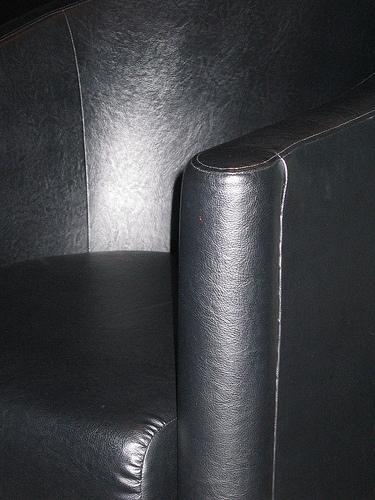 Saiba como manter os estofos do sofá limpos