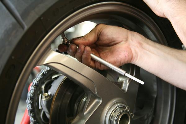 Saiba os cuidados necessários para cuidar bem de seu carro
