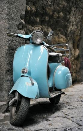 Vespa, um charme italiano