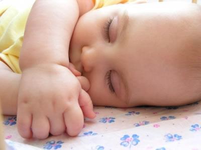 Você sabe quantas horas seu filho precisa dormir